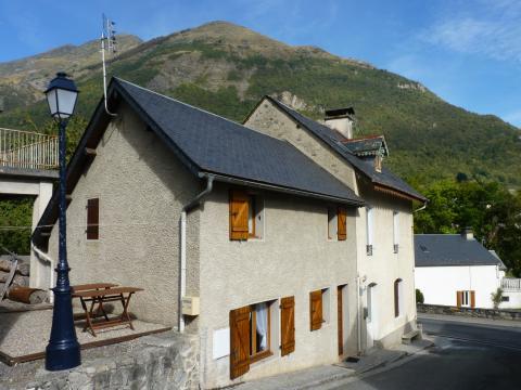 Gite Luz Saint Sauveur - 6 personnes - location vacances  n°35355
