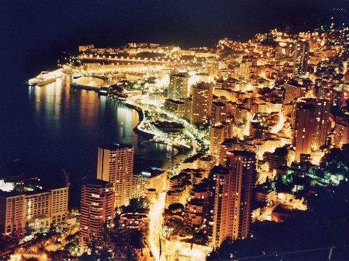 Appartement à Roquebrune cap-martin pour  6 •   prestations luxueuses
