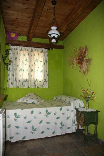 gite camarles louer pour 4 personnes location n 36640. Black Bedroom Furniture Sets. Home Design Ideas