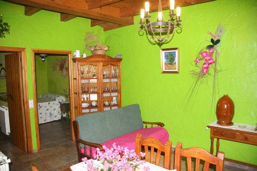 Gite à Camarles pour  4 •   jardin   n°36640