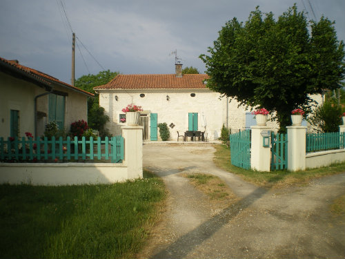 House in Perigueux for   11 •   private parking   #37005