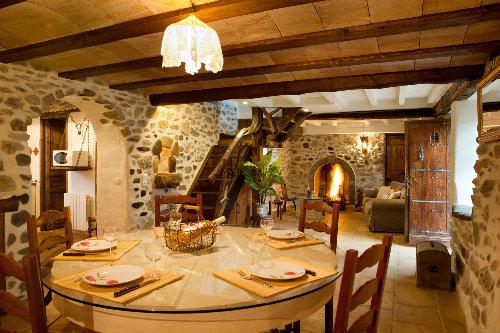 Gite à Laguinge-restoue pour  6 •   3 chambres