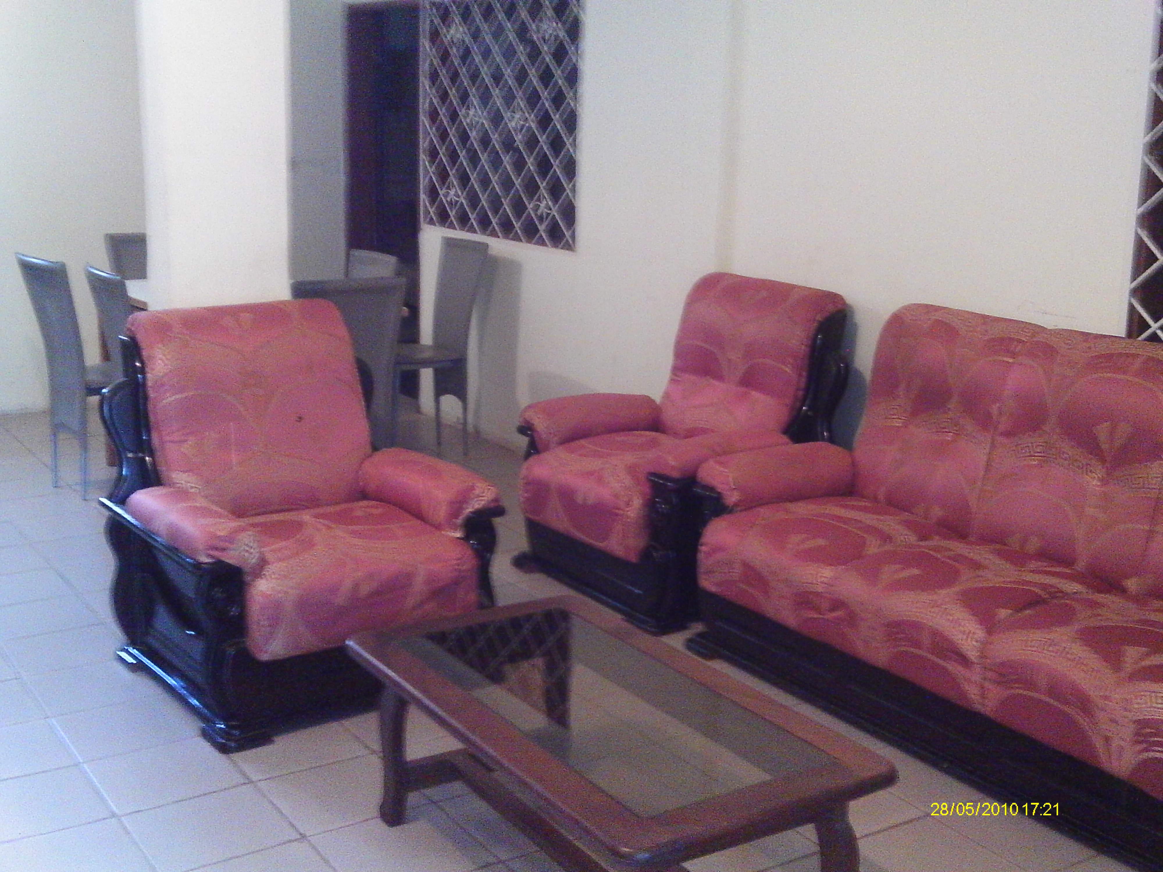 Maison à Yaoundé pour  4 •   accès handicapés