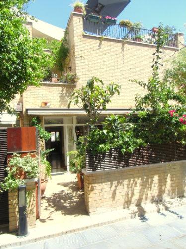 maison barcelone louer pour 6 personnes location n 37581. Black Bedroom Furniture Sets. Home Design Ideas