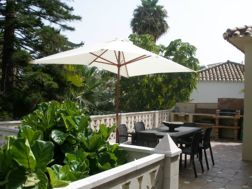 House in Estepona for   8 •   private parking   #37736