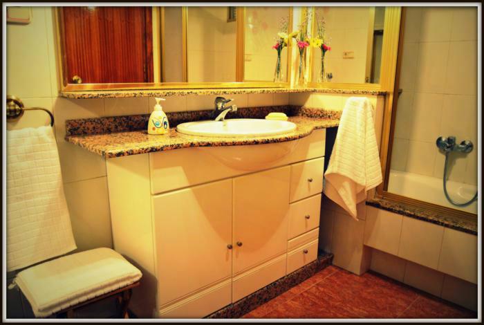Appartement in Roses voor  6 personen  no 38051