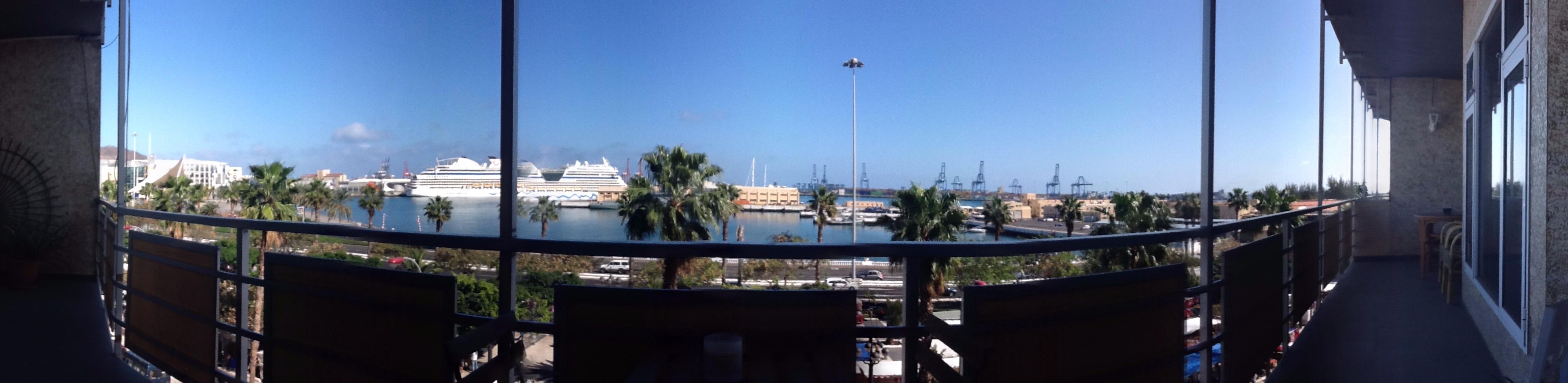 Las palmas de gran canaria -    vista al mar