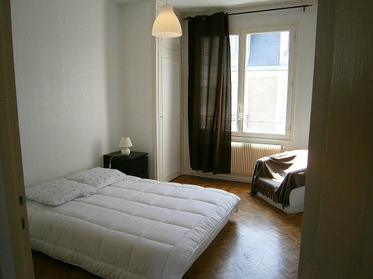 Flat in Tours - Vacation, holiday rental ad # 38408 Picture #1