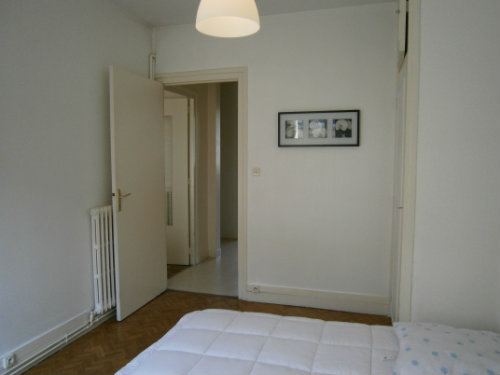 Flat in Tours - Vacation, holiday rental ad # 38408 Picture #4