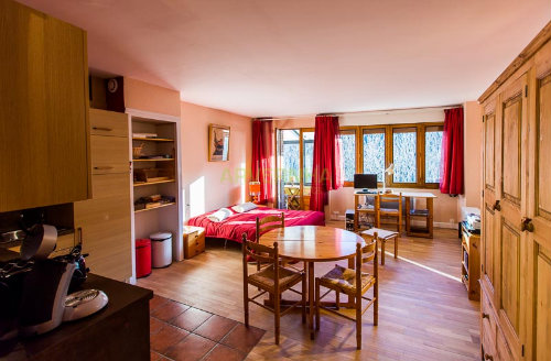 Studio in St nectaire for   2 •   parking   #38887