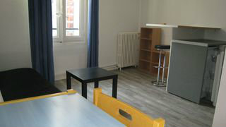 Studio in Nimes - Vacation, holiday rental ad # 39064 Picture #1