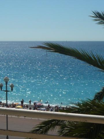 Flat in Nice - Vacation, holiday rental ad # 39097 Picture #0
