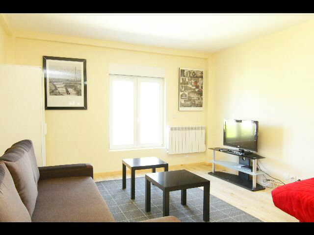 Flat in PANTIN - Vacation, holiday rental ad # 39126 Picture #3