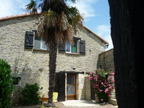 Haus in Civray für  8 •   mit privat Schwimmbad