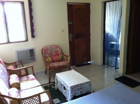 Studio abidjan louer pour 3 personnes location n 39341 for Abidjan location maison