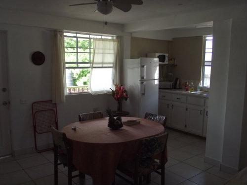 Appartement à Castries pour  5 •   avec balcon