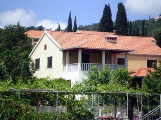 House in Zaton/dubrovnik for   7 •   private parking