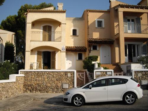 Maison à Puerto de alcudia pour  6 •   vue sur mer