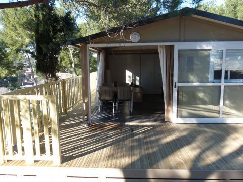chalet martigues louer pour 6 personnes location n 40251. Black Bedroom Furniture Sets. Home Design Ideas