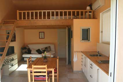 Rognes - 4 people - holiday home  #40962