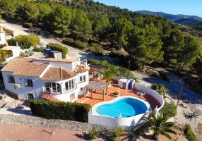 Villa with Private Pool and Stunning Views