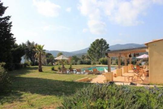 Villa 8 p. Proche plage - Au coeur du golfe de Saint Tropez Villa de 1...  n°41239