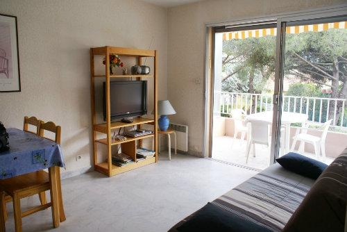 appartement fr jus 83600 louer pour 4 personnes location n 41253. Black Bedroom Furniture Sets. Home Design Ideas