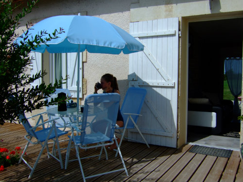 Gite in Jau-dignac-loirac for   4 •   with terrace   #41327