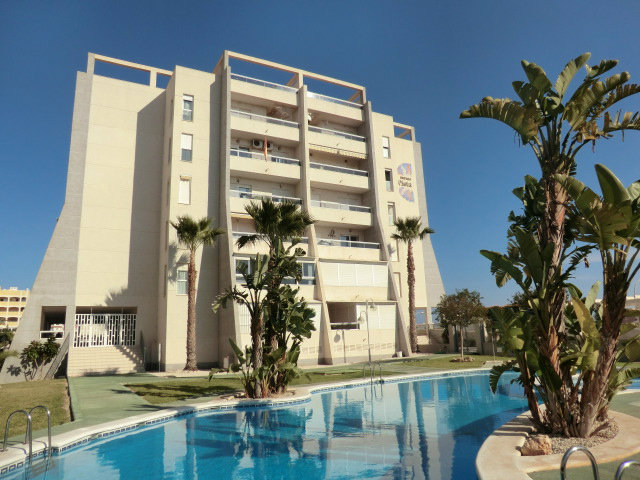 Flat in Torrevieja for   5 •   2 bedrooms