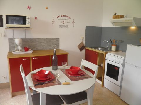 Flat in murol - Vacation, holiday rental ad # 41811 Picture #1