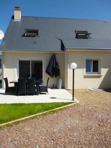 Gite in Port en bessin for   6 •   with terrace