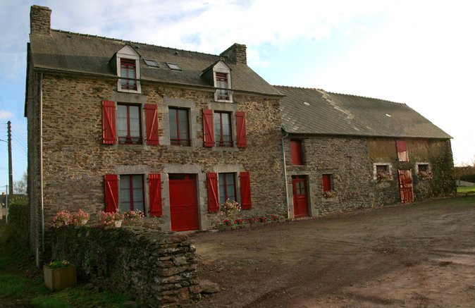 Bed and Breakfast St Léry - 15 personen - Vakantiewoning  no 42069