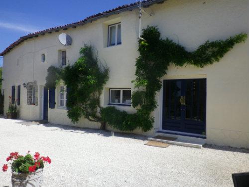Gite 4 personnes Nanteuil-en-vallée - Cottage 1 - location vacances  n°42261