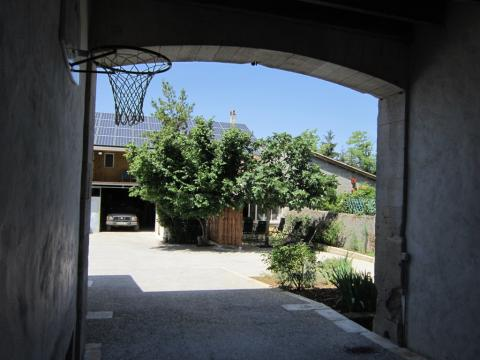 House in Jonzac for   6 •   private parking