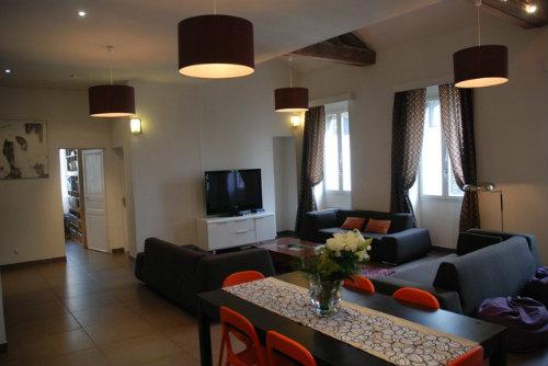 appartement avignon louer pour 9 personnes location. Black Bedroom Furniture Sets. Home Design Ideas
