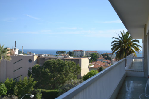 Flat in Nice - Vacation, holiday rental ad # 42779 Picture #1