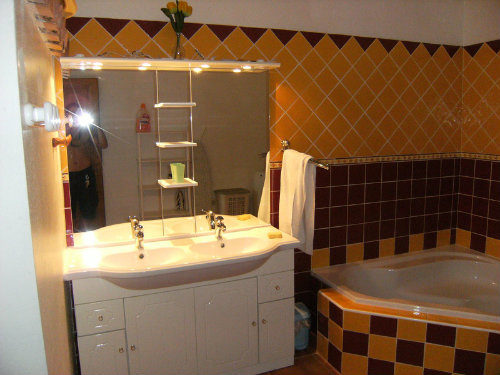 House in Puyméras - Vacation, holiday rental ad # 43139 Picture #0
