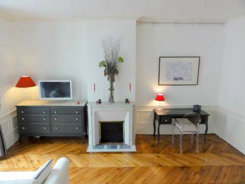 Flat in Versailles - Vacation, holiday rental ad # 43274 Picture #1