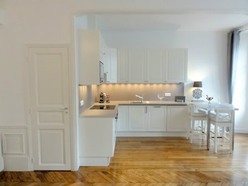 Flat in Versailles - Vacation, holiday rental ad # 43274 Picture #2