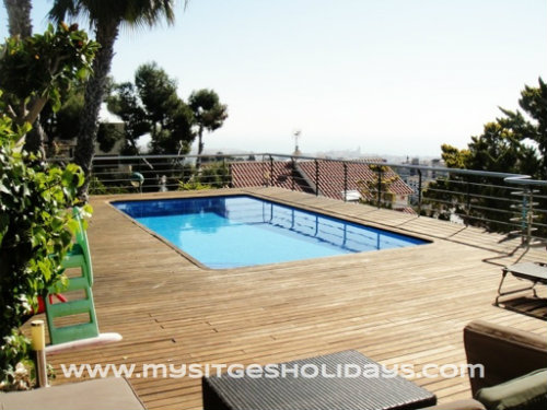 Casa en Sandra villa in sitges para  8 •   con piscina privada