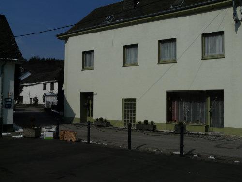 Huis Burg Reuland - 6 personen - Vakantiewoning  no 44622