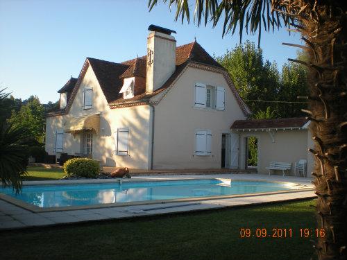 Huis Sauvagnon (64230) - 4 personen - Vakantiewoning  no 44908