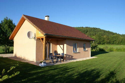 House in Marigny, lac de chalain for   4 •   3 stars