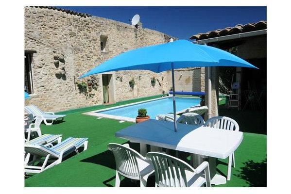 Appartement à Mornas pour  6 •   avec piscine privée   n°45388