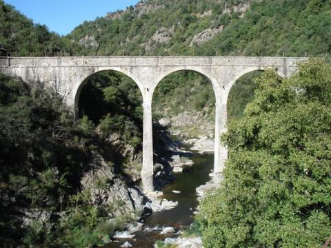 Location Spain - Locations vacances et saisonnières, gites, chambres d'hotes, villas, chalets, maisons, appartements, mobil-homes, chateaux, bungalows dans la région -   n°45453