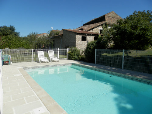 Gite in Neuvic sur l'isle for   5 •   with private pool
