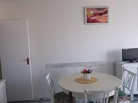 Flat in Courseulles sur Mer - Vacation, holiday rental ad # 45814 Picture #1