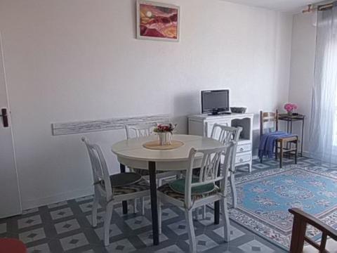 Flat in Courseulles sur Mer - Vacation, holiday rental ad # 45814 Picture #0