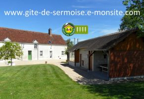 Gite in Vicq sur nahon for   12 •   animals accepted (dog, pet...)