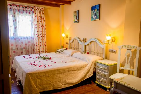 Bed and Breakfast Monachil - 10 personen - Vakantiewoning  no 46401